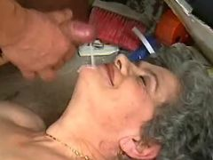 Old plumper gets cumload in mouth