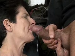 Aged mom catches cumshot after sex