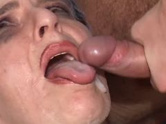 Old woman gets cumload in mouth